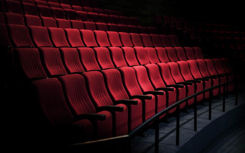 kino studyjne jako jedna z zimowych atrakcji krakowa